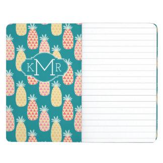 Monogramme du motif   de griffonnage d'ananas carnet de poche
