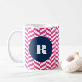 Monogramme en arête de poisson de motif de roses mug