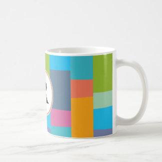 monogramme et coloré modelés mug blanc