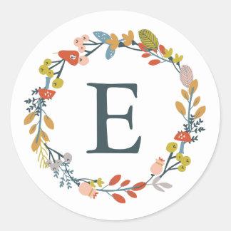 Monogramme floral d'automne sticker rond