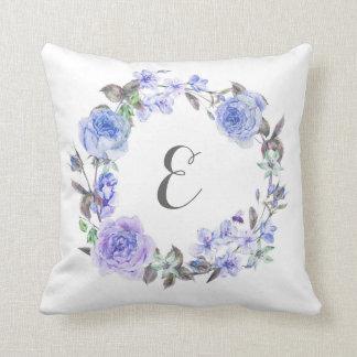 Monogramme floral de l'aquarelle pourpre en pastel coussins carrés