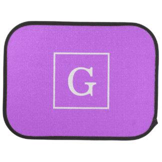 Monogramme initial encadré par blanc pourpre lilas tapis de voiture