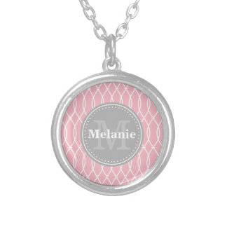 Monogramme moderne rose-clair de gris de motif de pendentif rond