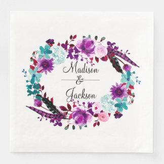 Monogramme pourpre de mariage de guirlande florale serviettes en papier