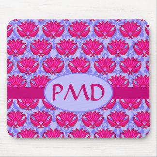 Monogramme pourpre rose fuchsia de damassé de tapis de souris