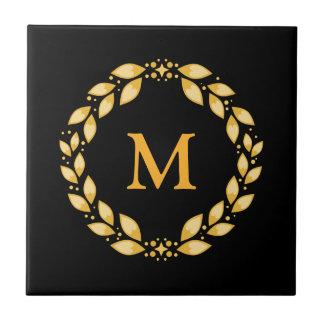 Monogramme romain Leaved d'or fleuri de guirlande Carreau