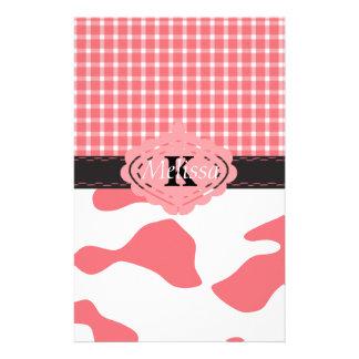 Monogramme rose chic de vache et de plaid à pays papier à lettre customisable
