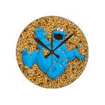 Monstre vintage et biscuits de biscuit horloge ronde