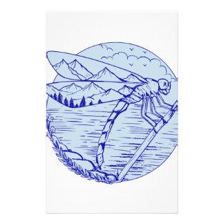 Montagnes de libellule dans le dessin d'ailes papeterie