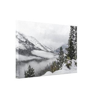 Montagnes de Milou dans la copie de toile d'hiver
