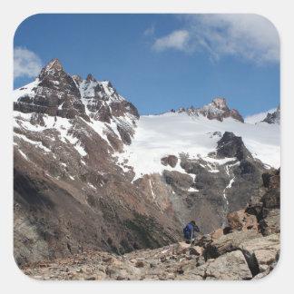 Montagnes de parc national de glacier, Argentine 2 Sticker Carré