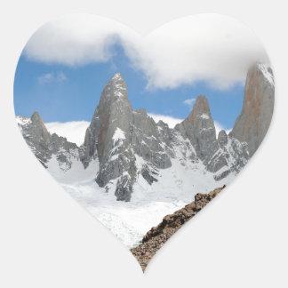 Montagnes de parc national de glacier, Argentine Sticker Cœur