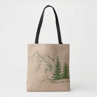 Montagnes rustiques pittoresques et sac d'arbres