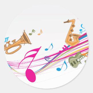 Monte le long de la rivière musicale sticker rond