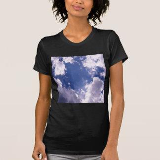 Montée de bleu de ciel t-shirt