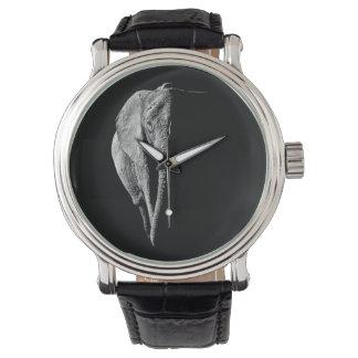 Montre avec l'éléphant africain montres bracelet