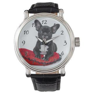 Montre Bouledogue noir et blanc Terrier sur le coussin
