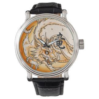 Montre en cuir vintage de noir chinois de dragon