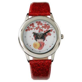 Montre Poupée rouge de Sakura Kokeshi - fille de geisha
