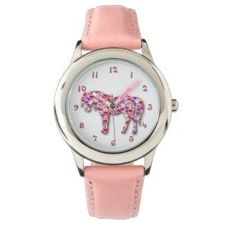 Montre rose classique de poney de cheval de coeur montres bracelet