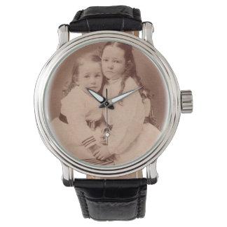 Montre Wach antique vintage FromMyDesk de photo de soeurs