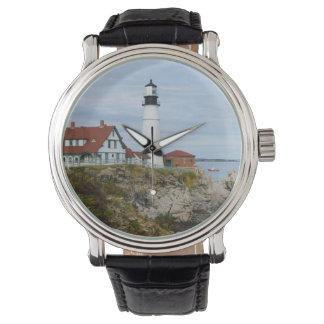Montres Bracelet Phare de phare de Portland sur le rivage rocheux