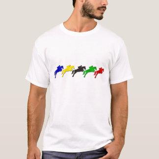 Montrez le cheval sautant de cavalier   de t-shirt
