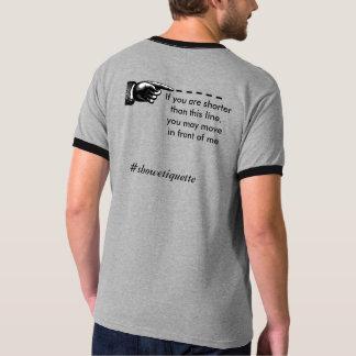 Montrez l'étiquette t-shirt