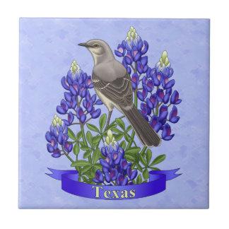 Moqueur d'état du Texas et fleur de Bluebonnet Petit Carreau Carré
