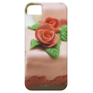 Morceau de gâteau d'anniversaire avec des roses de coque Case-Mate iPhone 5