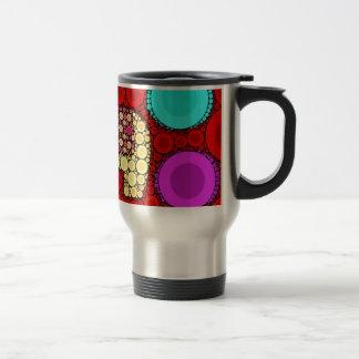 Mosaïque rouge géniale de cercles concentriques mug de voyage