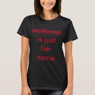 Mothman est juste le T-shirt de ses femmes nommées