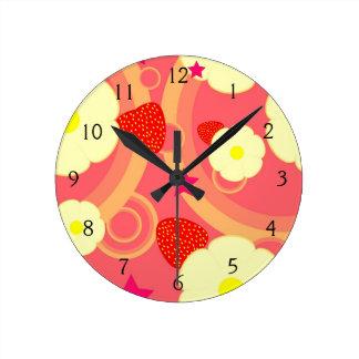 Motif 2 de fraise horloge ronde