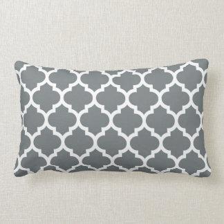 Motif #5 de Quatrefoil de Marocain de blanc gris Coussin Rectangle