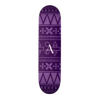Motif aztèque pourpre de monogramme skateboard 20,6 cm