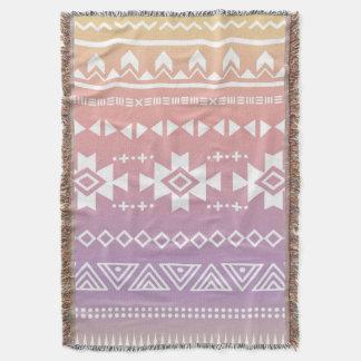 Motif aztèque tribal d'ombre couvre pied de lit