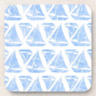 Motif bleu de l'eau de bateaux à voile sous-bock