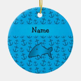Motif bleu personnalisé d'ancres de requin nommé ornement rond en céramique
