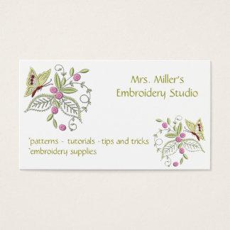 Motif brodé de broderie de papillon de fleurs cartes de visite