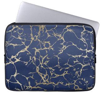 Motif chic de marbre de feuille d'or de faux de housse ordinateur portable