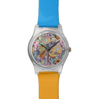 Motif coloré d'autocollant de voyage montre