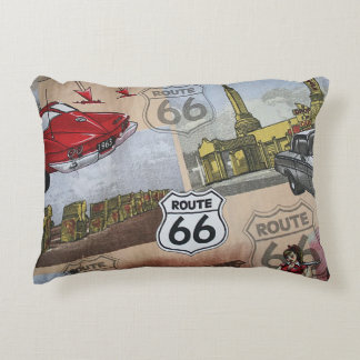 Motif coloré de collage de l'itinéraire 66 coussins décoratifs