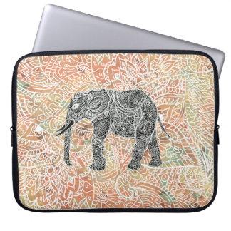 Motif coloré de henné d'éléphant tribal de Paisley Trousses Ordinateur