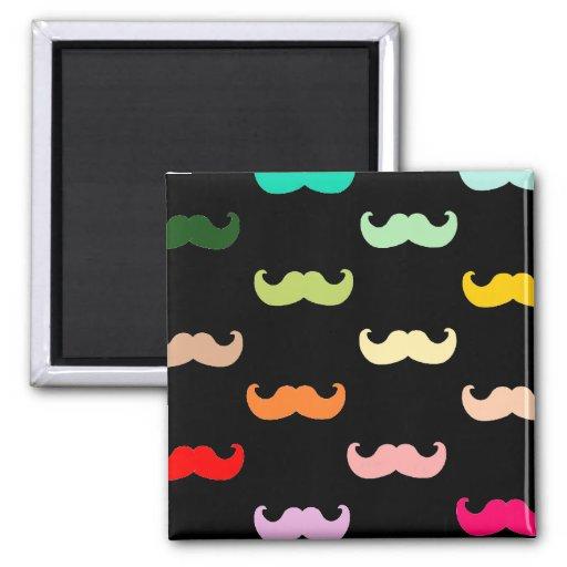 motif color de moustache d 39 arc en ciel sur le noi aimants pour r frig rateur zazzle. Black Bedroom Furniture Sets. Home Design Ideas