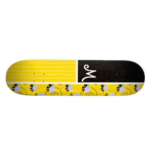Motif d'abeille jaune et noire plateaux de planche à roulettes