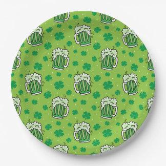Motif de bière de vert du jour de St Patrick Assiettes En Papier