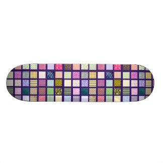 Motif de carrés carrelé par arc-en-ciel skateboards personnalisés