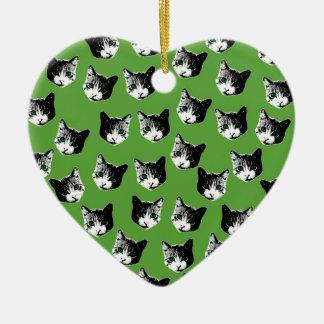 Motif de chat ornement cœur en céramique