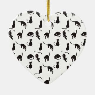 Motif de chats noirs ornement cœur en céramique