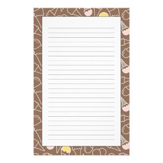 Motif de cornet de crème glacée sur Brown Papier À Lettre Customisé